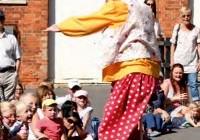 feet first entertainer